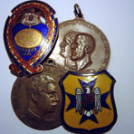 Royal badges and unofficial medals