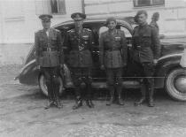 Brig. gen. Leonard Mociulschi together with unidentified staff officers and NCOs